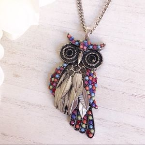 Jewelry - Bead Rhinestone Owl Necklace with Moving Feathers